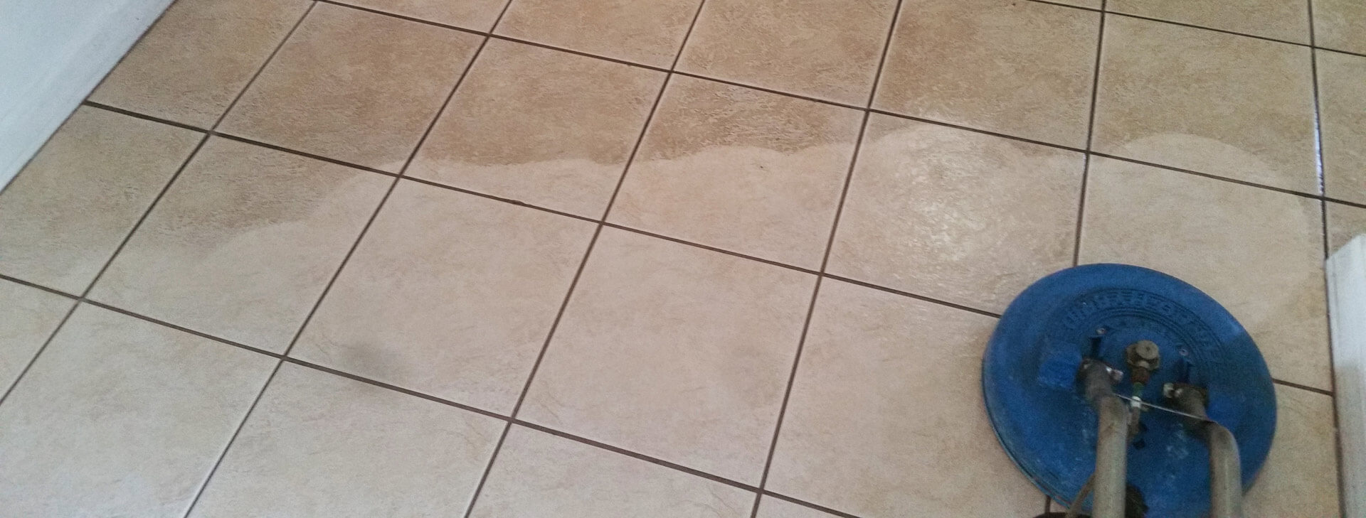 cleaning-tile
